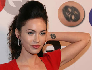 megan fox tattoo, hottie girl megan fox, hot tattoo for girl, celebrity tattoo design, tattoo trend, new tattoo trend design, tattoo inspiration, tattoo trends, tattoo trend.