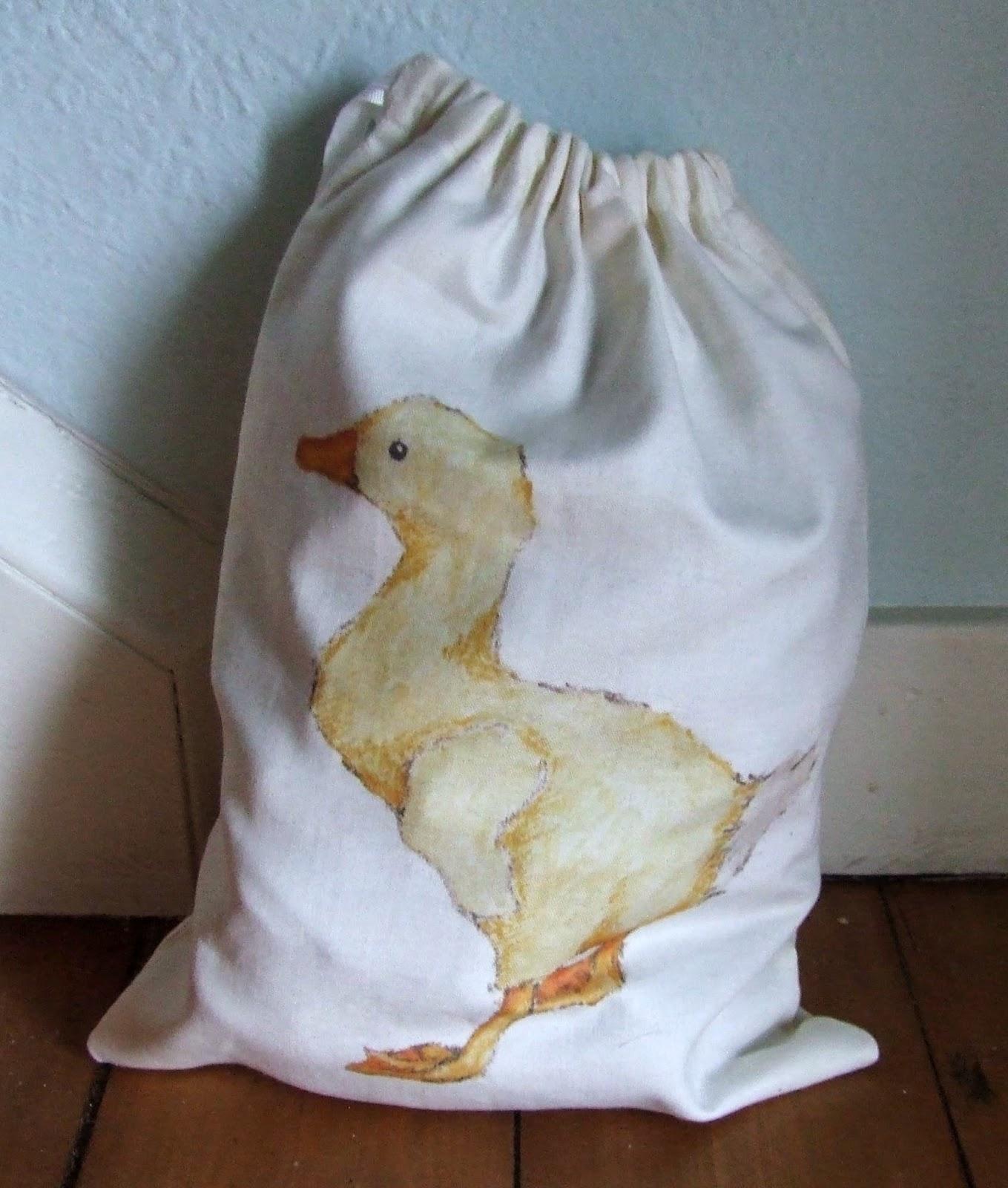 Duckling drawstring bag reverse