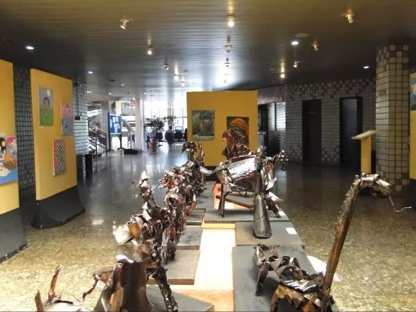Exposição 'Ídolos' tem obras inspiradas nas manifestações culturais do nordeste brasileiro, em Campina Grande