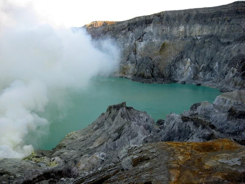 lagu dua gunung berapi di Rusia