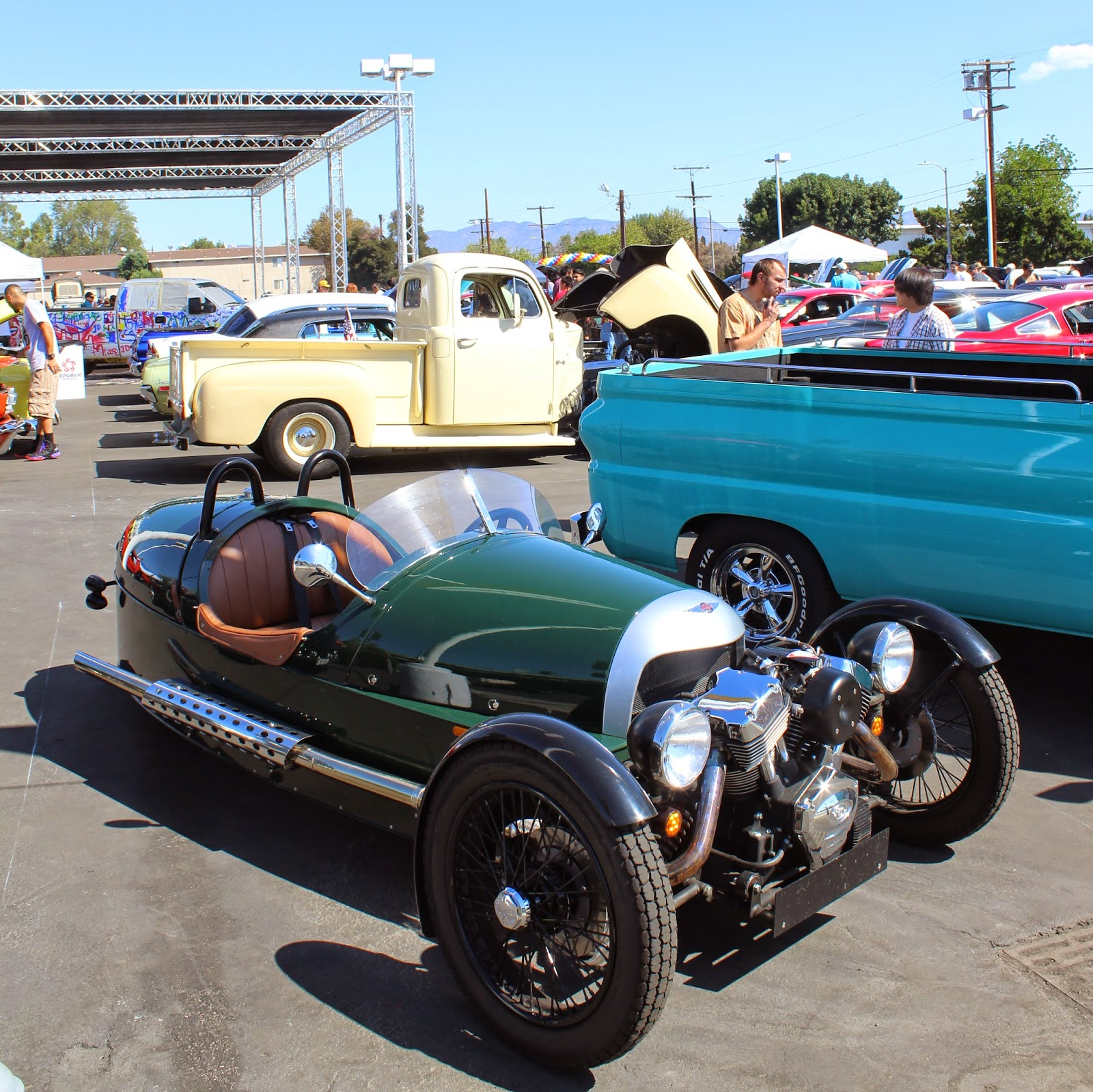 Covering Classic Cars : 3rd Annual Galpin Ford Custom Car Show