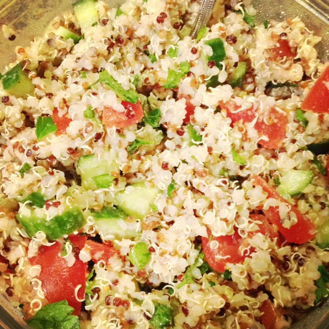 Kitchen Queen Eats Clean: Clean Eating Quinoa Tabbouleh Salad