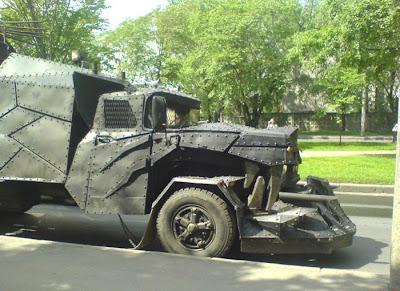 camión Mad Max strange truck