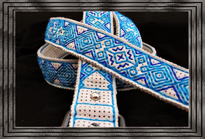 cinturones hechos con cuero