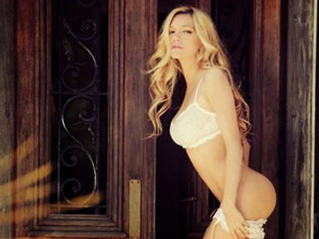 Micaela Breque sexy hot