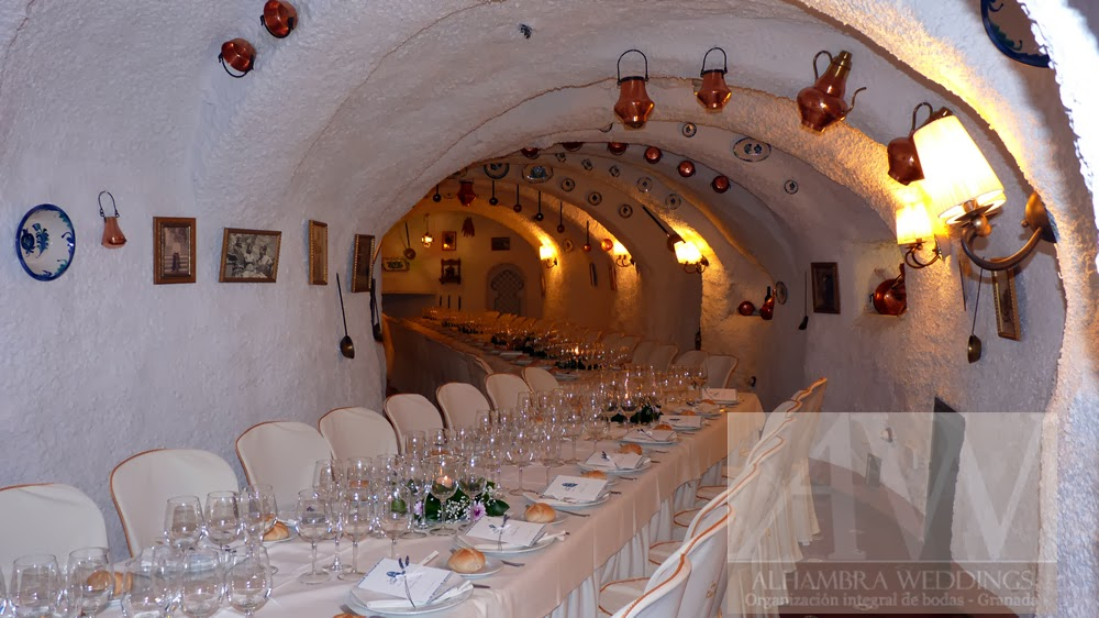 weddings in spain sacromonte caves wedding