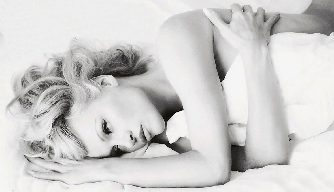 Pamela Anderson ainda mexe