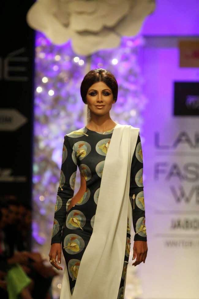 Shilpa Shetty At Lakme Fashion Week Winter/Festive 2014