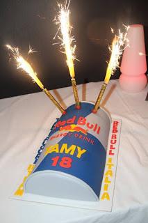 torta lattina redbull pasta di zucchero cake design polvere di zucchero compleanno tamara molinaro rally
