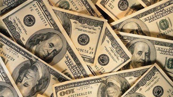 Dólar fecha a R$ 4,05, maior valor na história do real