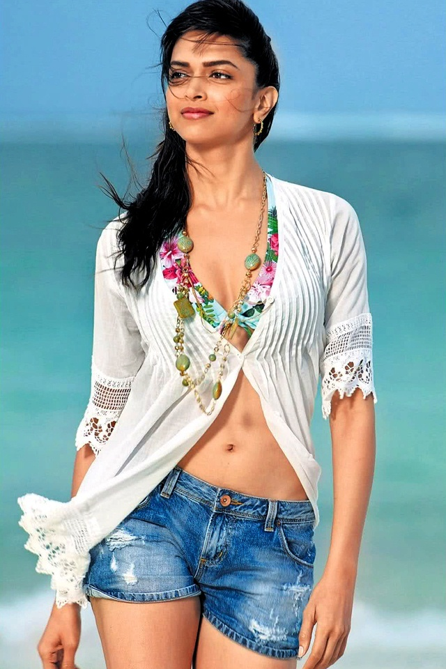 deepika padukone sexy bikini photo 08