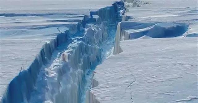 Παγόβουνο όσο το Μπαλί ετοιμάζεται να αποκολληθεί στην Ανταρκτική