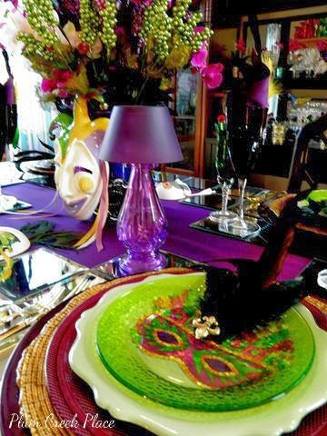 Mardi Gras 2014 tablescape at Plum Creek Place