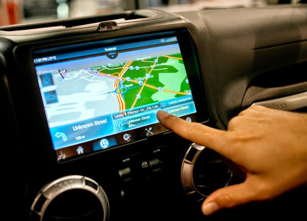 Agency Aims to Regulate Map Aids in Vehicles