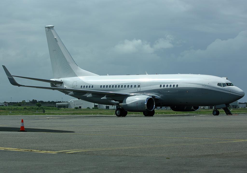 brisbane airport movements  boeing 737bbj n834ba