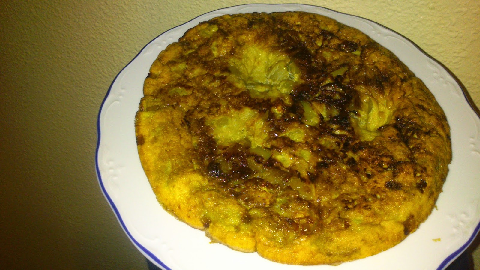 Cocina facil tortilla con calabac n berenjena y cebolla - Tortilla de calabacin y cebolla ...