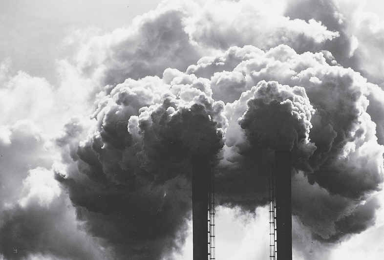 what are the different types of air pollution The two types of pollution sources, point source and non-point source, describe how the pollutants enter the air, either from a single source or from many different sources.