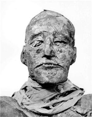 Study reveals Pharaoh's throat was cut in royal coup