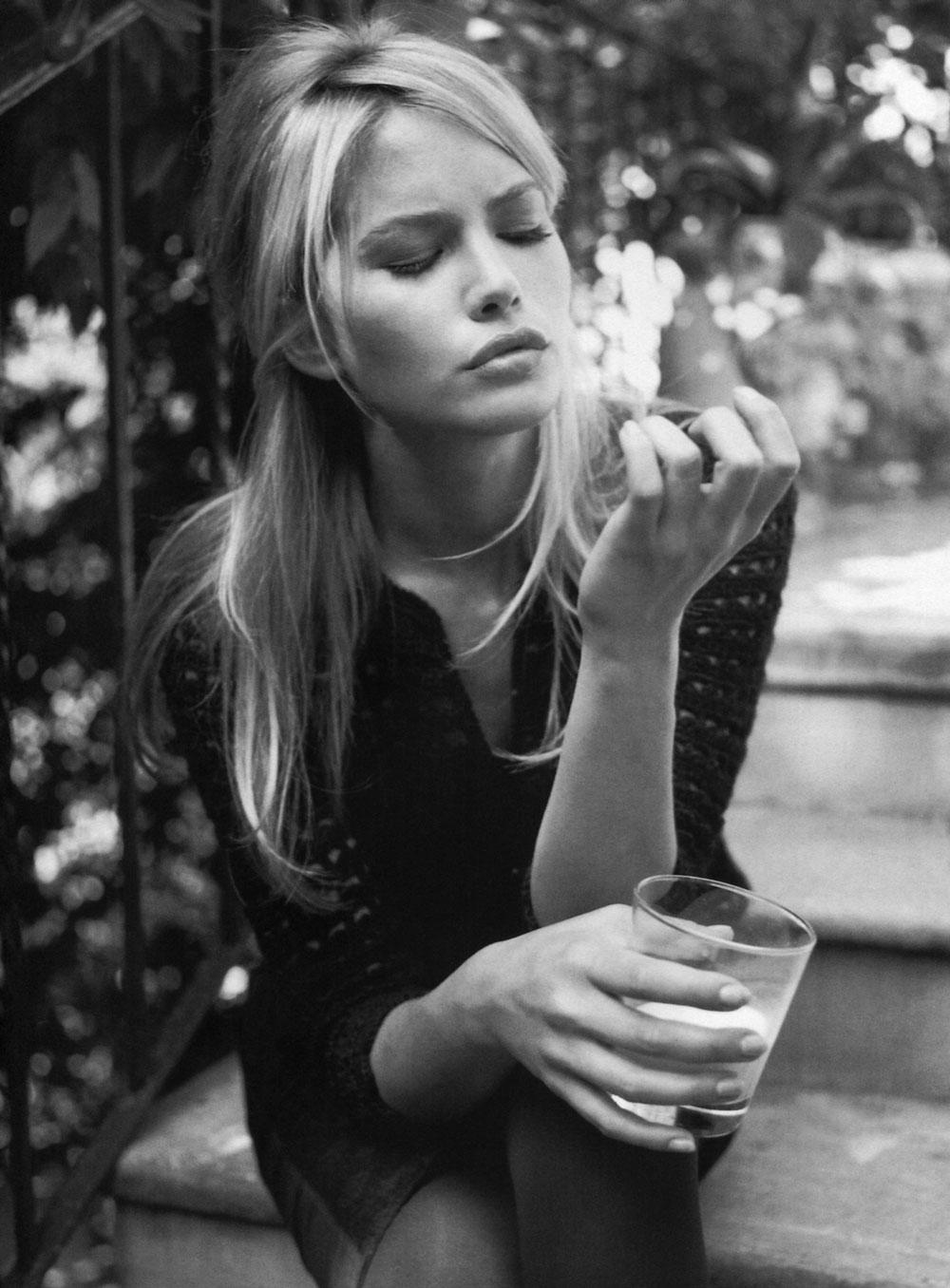 aleria Mazza in Vogue Italia February 1997 (photography: Walter Chin, styling: Anna Dello Russo)