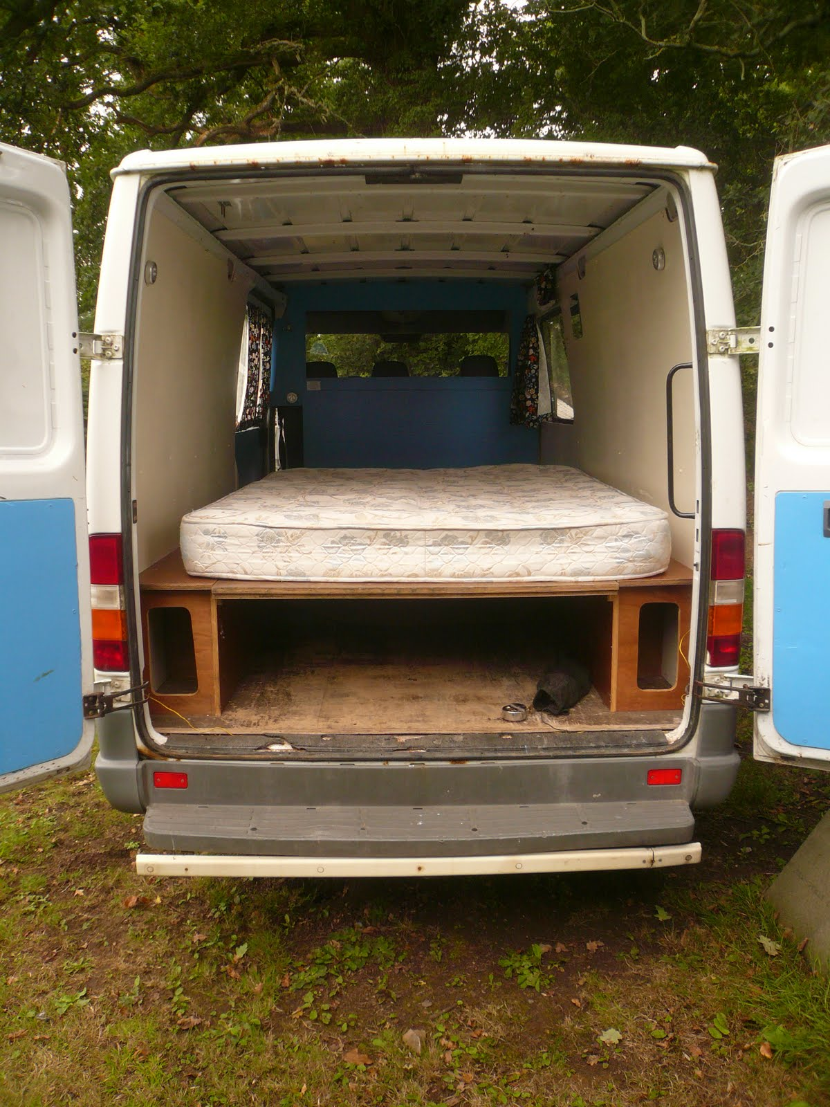 mercedes sprinter camper conversion
