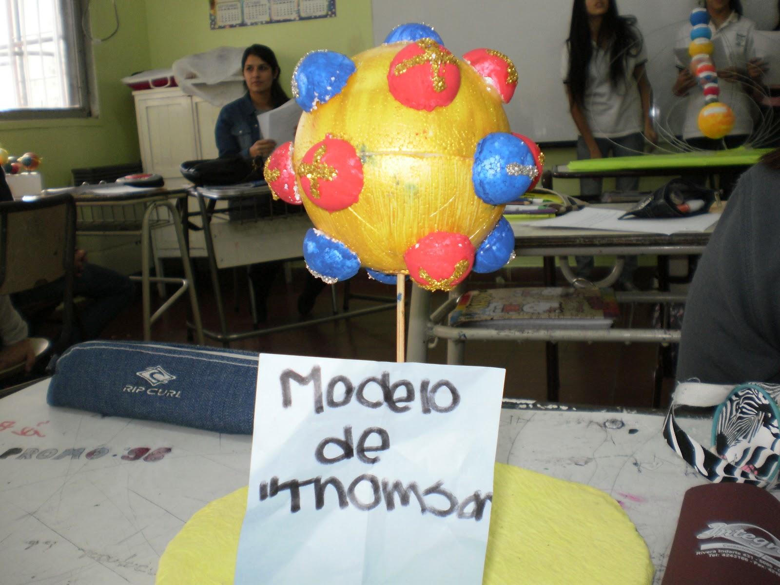 "Modelo científico presentado por alumnos de tercer año ""B"", que"