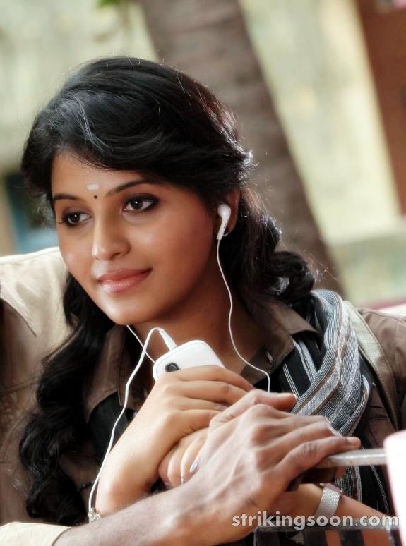 Strikingsooncom Anjali In Aggi Pulla Movie Stills