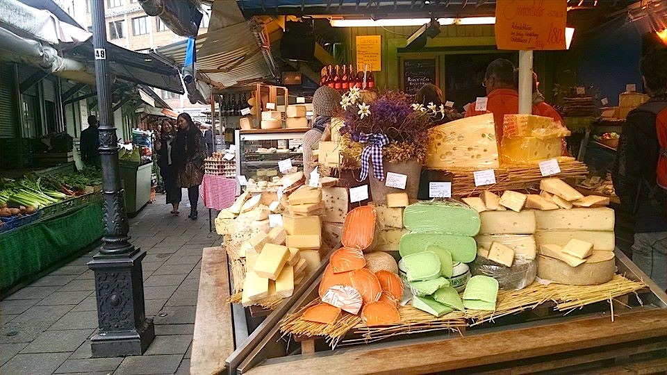 Viktualienmarkt cheese shops