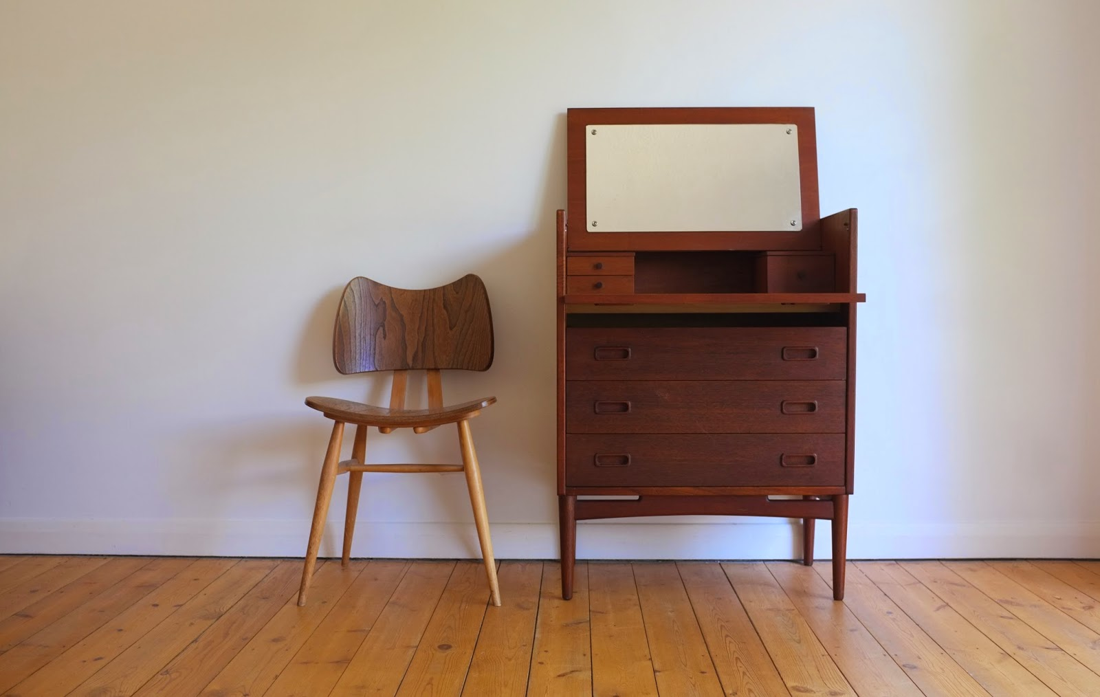 Antikmodern the shop danish dressing table cabinet for Dressing table cabinet