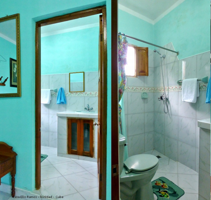 Casa Hostal Elio RamosBathroom Bedroom Trinidad -  Cuba