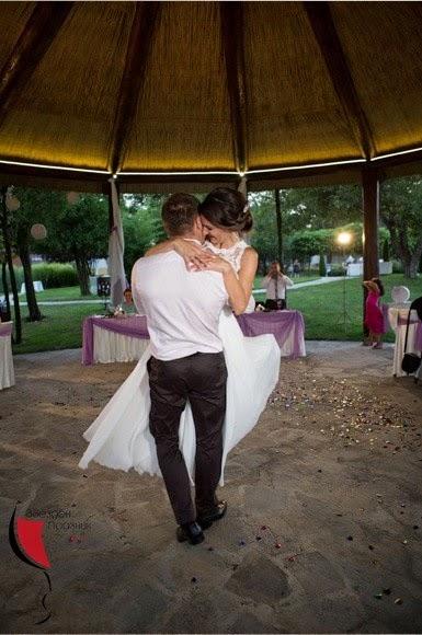 сватбен танц младоженци