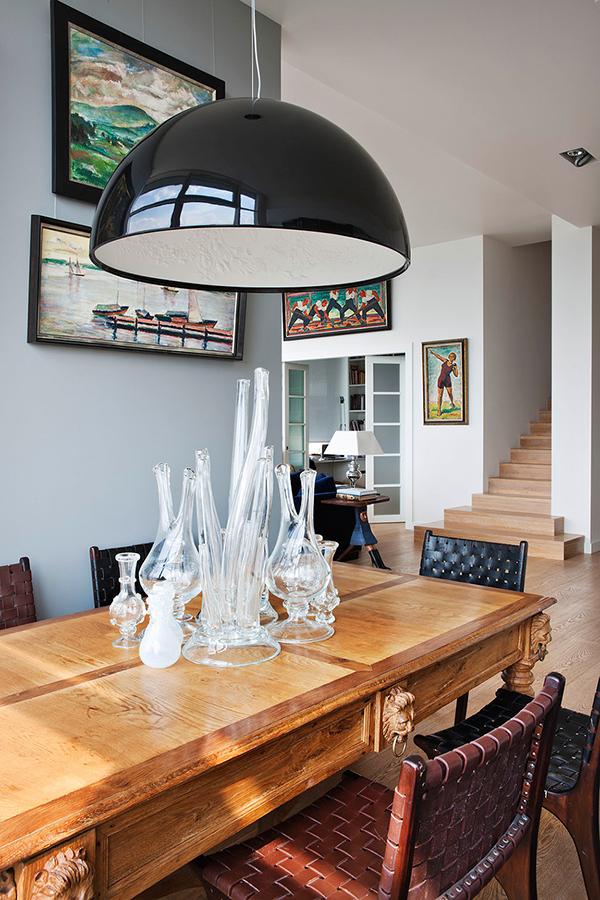 Decoração de sala de jantar com pendente moderno