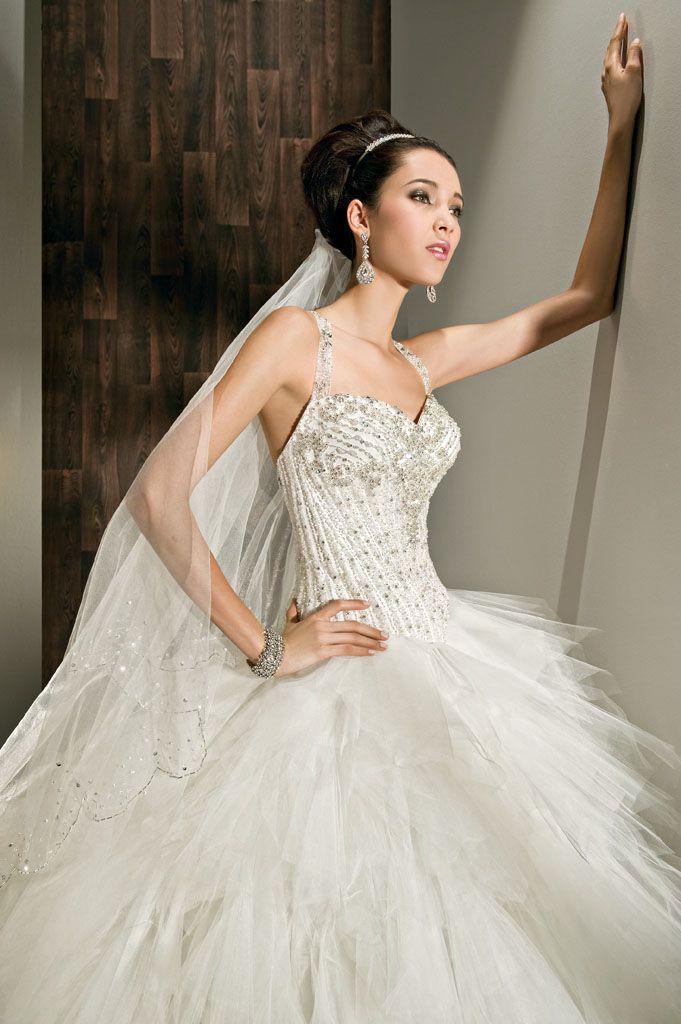 robes de mariage robes de soir e et d coration robe de mari e demetrios. Black Bedroom Furniture Sets. Home Design Ideas