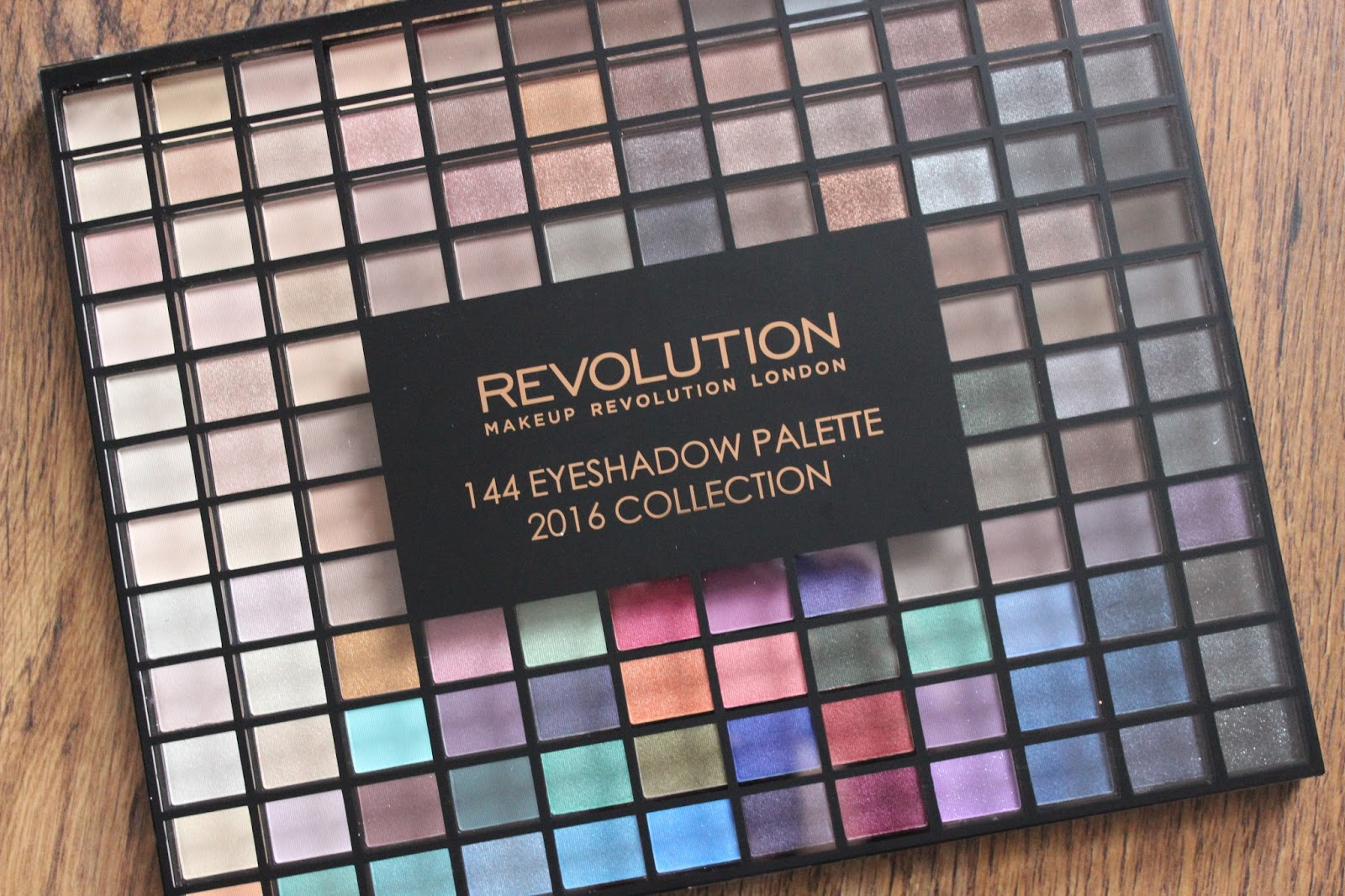 Makeup Revolution - 144 Eyeshadow Palette 2016 Collection