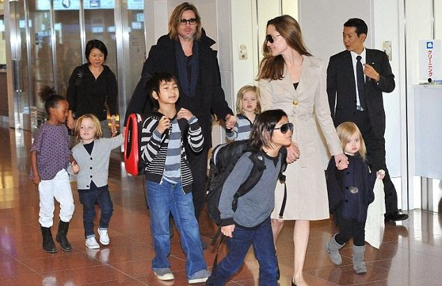 Brad Pitt only stay with Angelina Jolie for kids sake?