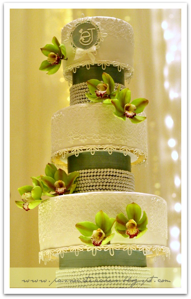 PassioNate Cakes : Wedding Cake with Green Cymbidium Orchids