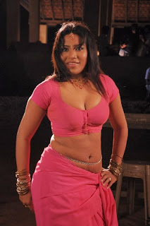 liya sree hot close cleavage pics from Veeran Muthurakku Movie Stills