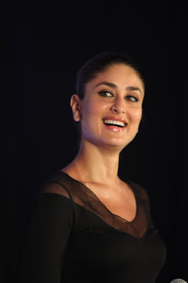 kareena kapoor at the launch of new sony vaio laptops. glamour  images