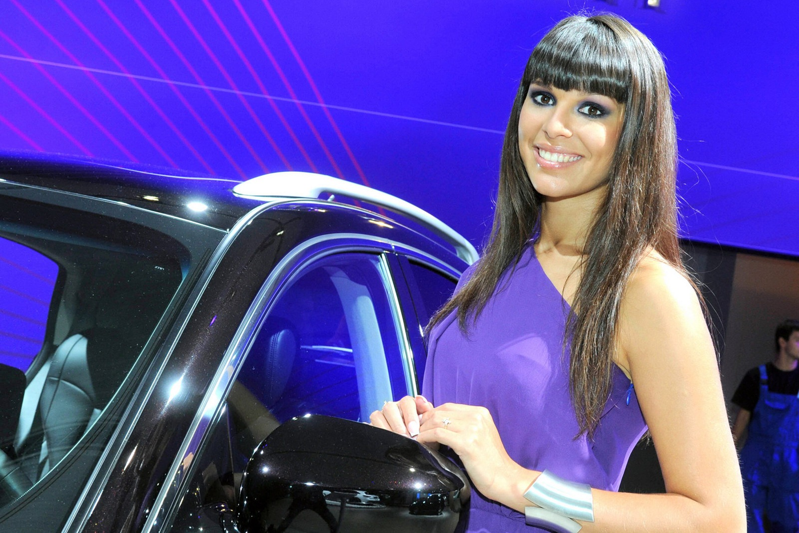 Girls of the Moscow Motor Show - AutoTribute