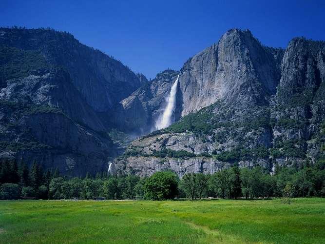 Pemandangan Air Terjun Tinggi Yosemite Falls