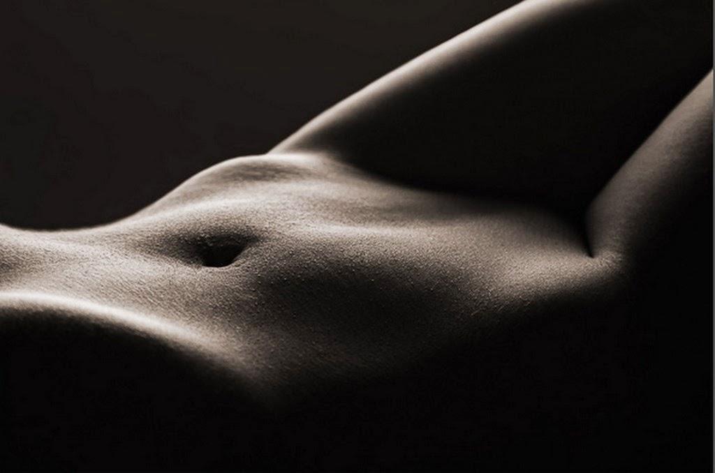 desnudos-artísticos-de-mujeres-fotos-en-negro-y-blanco
