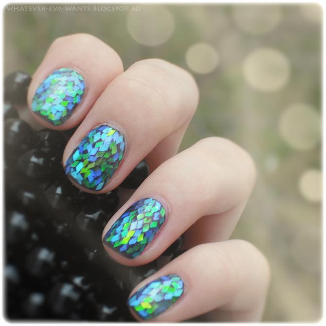 Iridescent dragon scales nail art - Eva Luna