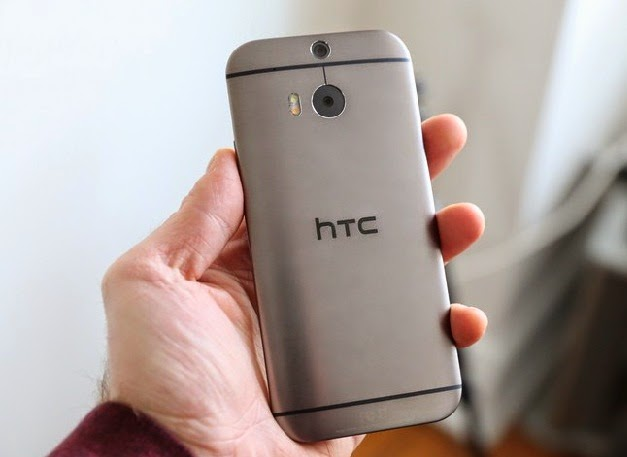 HTC One M8 Review back