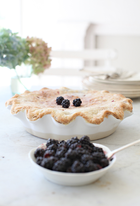 Dreamy Whites: Blackberry Pie.....My Mom's Pie Crust ...