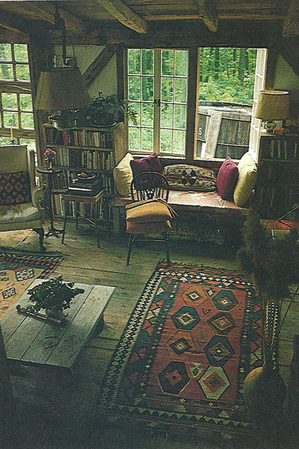 Moon to moon creating a bohemian room p t 3 rugs for Hippie living room ideas