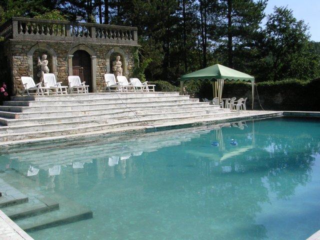 Vita alla corte di compiano for Disposizione del piano piscina