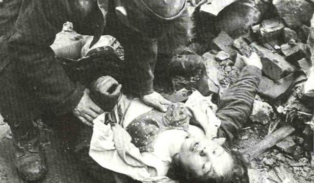 Фашисты трахают баб в войну рассказы фото 459-333