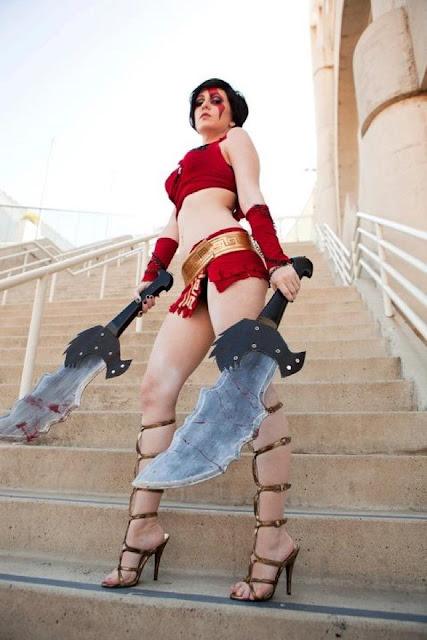 Kratos em versão feminina - God of War
