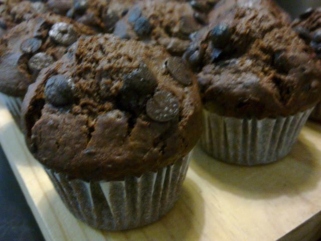 Muffins magdalenas de chocolate estilo Starbucks