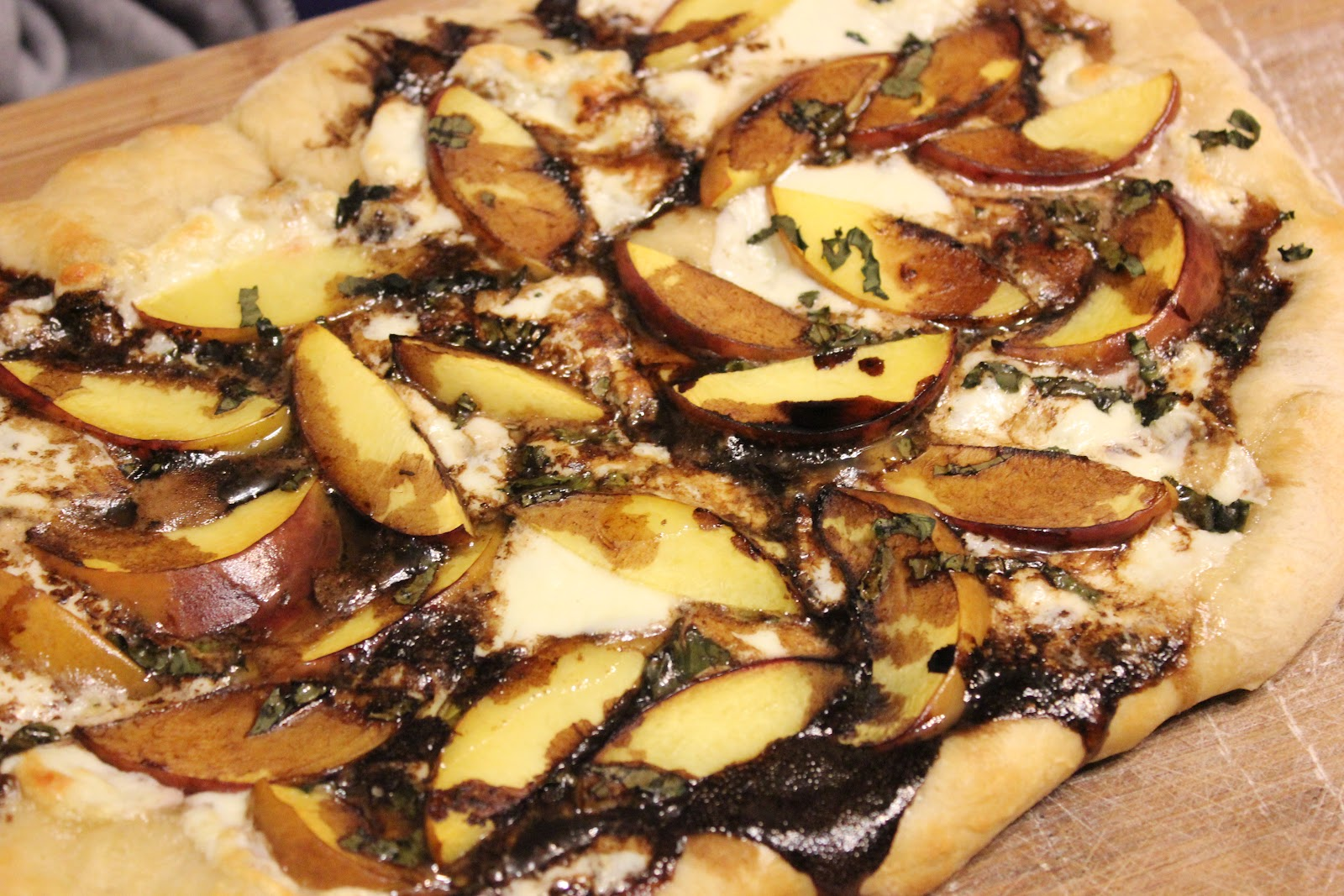 THE BUSY MOM CAFE: Meatless Monday: Peach, Basil ...