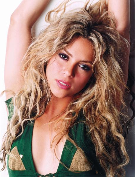Hollywood Top Actress and Acters  Shakira Very Hot Images 2012 HD
